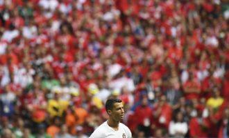 """Tifozët e Marokut e 'nervozojnë' Cristiano Ronaldon: """"Messi, Messi, Messi"""""""