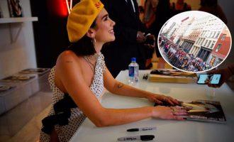 Radhë të gjata të fansave në New York për një autograf të Dua Lipës [FOTO]