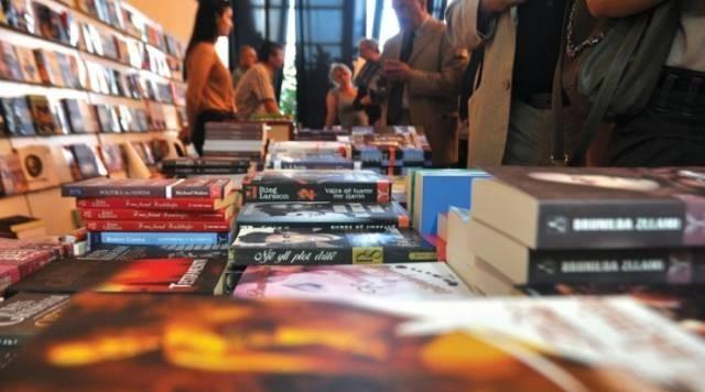Panairi shpërfaq nivelin joserioz të lexuesve, Kadareja shitet më pak se Albatros Rexhaj