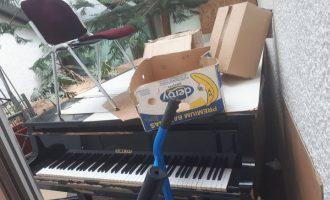 """Pianoja e """"gjorë"""" në Panairin e Librit"""