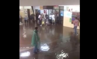 """Shkollën """"Ismail Qemaili"""" e merr uji [VIDEO]"""