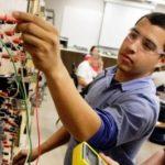 Prindërve u sugjerohet t'i orientojnë fëmijët në shkolla profesionale