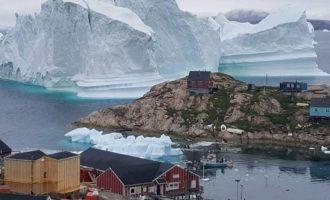 Ajsbergu prej 11 milionë tonësh po i afrohet qytetit