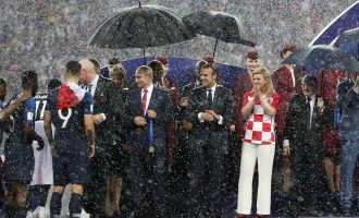 Shërbimi i sigurimit rus zbulon përse vetëm Putini kishte ombrellë