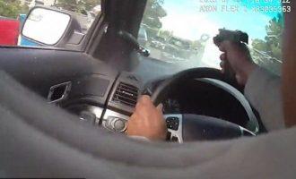Polici qëllon me armë të dyshuarin teksa e ndjek me makinë