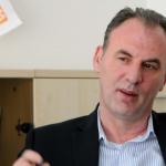 Sipas Limajt, a mund Thaçi ta udhëheqë dialogun Kosovë-Serbi?