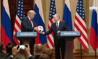 Putin, Trumpit: Topi është në dorën tënde