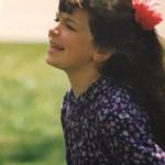 Ky fëmijë në foto sot është këngëtare shumë e njohur në Kosovë