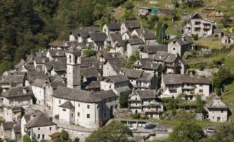 Fshati zvicerian që do të kthehet në hotel për turistët
