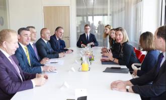Kryeministri deklarohet pas takimit me Mogherinin