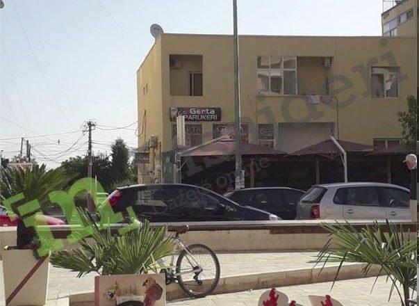 Turisti nga Kosova thotë se e larguan me dhunë nga apartamenti në Durrës në gjashtë të mëngjesit