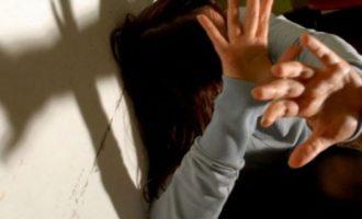 Vëllai rrah motrat në Mitrovicë, arrestohet