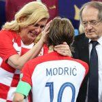 Momenti emocionues, Modric nuk mund të flasë