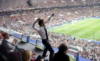 Kështu i festoi Macron golat e Francës [Foto]