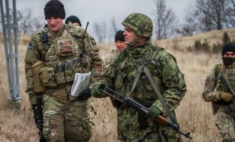 Banorët e Karaqevës thonë se KFOR-i ka vendosur vijë kufitare duke i lënë në Serbi pronat e tyre