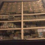 Personit që i mashtroi një mijë persona, policia ia gjen në shtëpi 20 milionë dollarë 'cash'