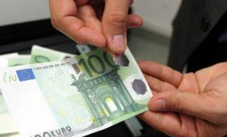 Dy persona arrestohen në Fushë Kosovë – bënë pagesë me para të falsifikuara