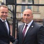 Shpërthejnë pakënaqësitë lidhur me marrjen e meritave për vizat – reagon këshilltari i Haradinajt