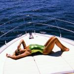 Rita Ora përsëri në pushime – tash në jaht në brigjet e Barcelonës