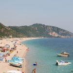 Të huajt zbulojnë jugun e Shqipërisë, nga Vlora në Sarandë zor dëgjohet shqipja mes turistësh