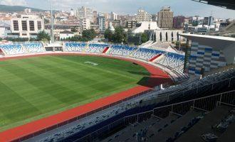 Stadiumit të Prishtinës i vihet emri i Fadil Vokrrit, shikoni pamjet