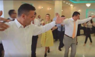 Marrëveshja që i bëri të vallëzojnë Agim Bahtirin, Bekim Jasharin dhe Xhafer Tahirin