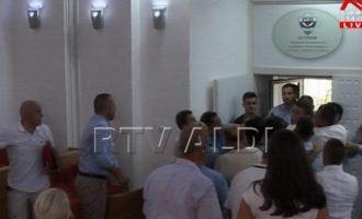 Si ndodhi përleshja në Kuvendin Komunal të Presheves?
