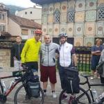 Tetovarët që u nisën në Haxh me biçikletë (FOTO)