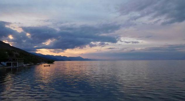 15 vjeçari shpëtohet nga mbytja në Liqenin e Shkodrës