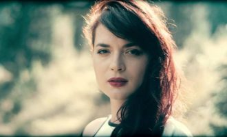"""Elina Duni – """"Këngë të dashurisë dhe mërgimit"""" në Anibar"""