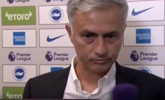 Reagimi qesharak i Mourinhos kur gazetarja e pyet për humbjen e Manchester Unitedit