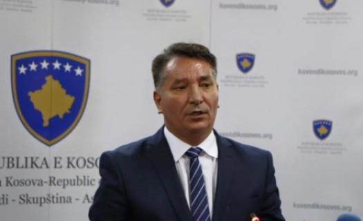 Lekaj akuzon KEDS-in dhe Ujësjellësin për zvarritjen e punimeve në rrugën që lidh Prishtinën me Gjilanin
