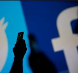 """Facebook dhe Twitter i """"shpallin luftë"""" Rusisë dhe Iranit"""