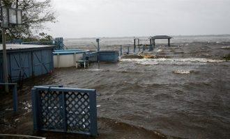 """Bilanc i ri, pas goditjes së uraganit """"Florence"""" kanë pësuar 31 persona"""
