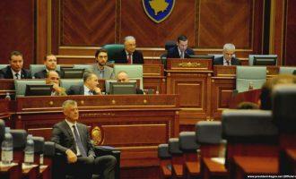 President, pozitë e opozitë – të bashkuar drejt krizës