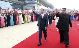Presidenti i Koresë Jugore arriti në samit me Kim Jong-un