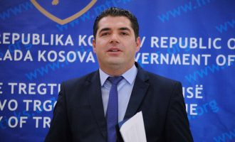 Lirohet nga detyra ministri Bajram Hasani