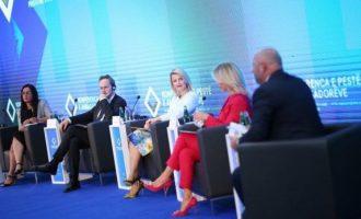 Hoxha: Pas liberalizimit të vizave, synojmë statusin kandidat për anëtarësim në BE