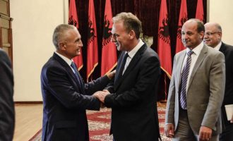 Limaj nga Tirana i bën ftesë opozitës që të mos kalkulojë politikisht për dialogun Kosovë- Serbi