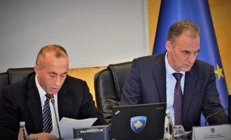 Fatmir Limaj kryeson ekipin e qeverisë për dialog me Serbinë