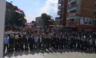 Ministrat e Haradinajt në krye të vendit gjatë fjalimit të Vuçiqit