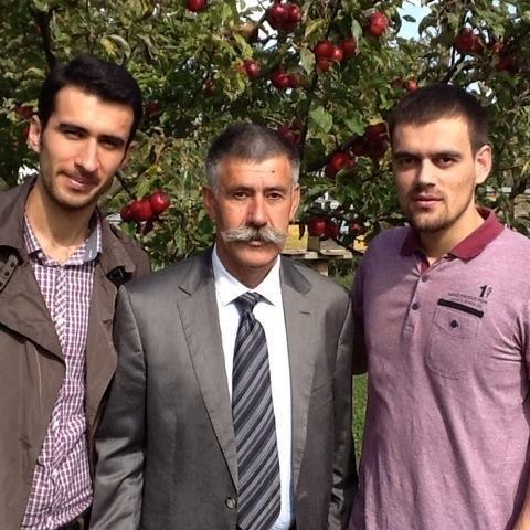 krasniqi-2 Qytetari ia publikon ish kryeparlamentarit Krasniqi familjarët e rehatuar në institucione