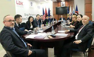 Pas PSD-së, edhe LDK-ja bojkoton seancën e thirrur nga qeveria