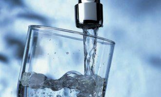 Miliona euro borxh – Shefat e ujësjellësve rrezikojnë furnizimin me ujë