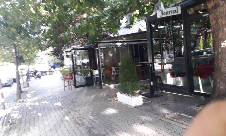 Digjet një lokal në qendër të Prishtinës