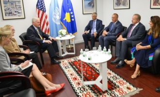 Senatori Johnson ua rikthekson Thaçit e Haradinajt mbështetjen e Amerikës për Kosovën