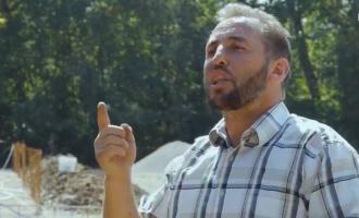 """""""Thaçi e Veseli frikësosheshin në luftë"""" – rrëfimi i imamit që pretendon se i kishte bartur me traktor dy liderët e UÇK-së"""