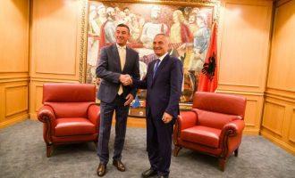 Veseli e Meta bëjnë thirrje për unitet politik për dialogun me Serbinë
